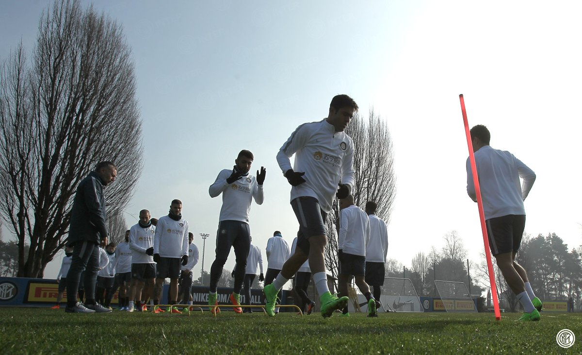 📸 Latihan terakhir untuk Nerazzurri jelang #BolognaInter. Foto-foto da...
