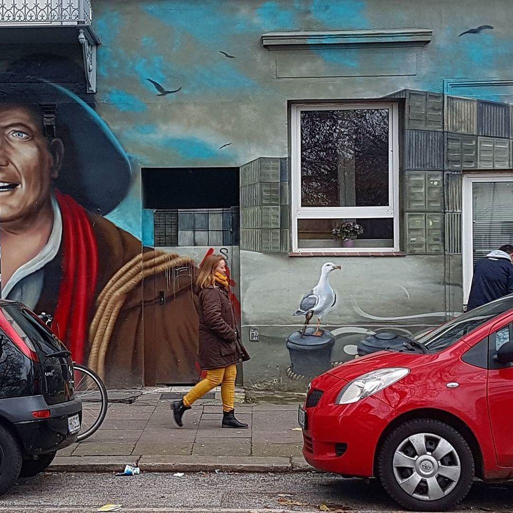 Trowback to some of #Hamburg &#39;s many cool streetart. . . . . #hamburgahoi #visithamburg #t…  http:// ift.tt/2lYpgHl  &nbsp;  <br>http://pic.twitter.com/mJuJ08JipS