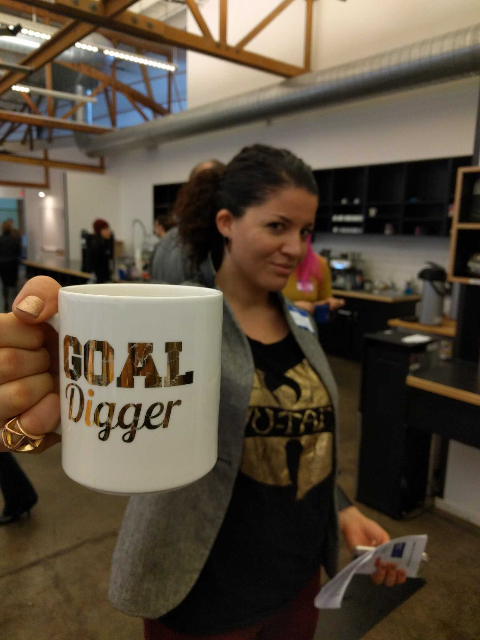 "Day6 #BHM @tedwheeler @OregonGovBrown #pdxstartupweek is here #Blackbiz @themayoress makes new ""bosses"" everyday at @pregamemag. #GoalDigger https://t.co/yVNQVa6Tz3"