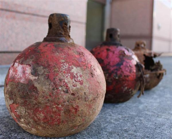 警視庁昭島署に眠る謎の金属球体「X」 不発弾、毒ガス、ランタン? 正解は… sankei.com/p…