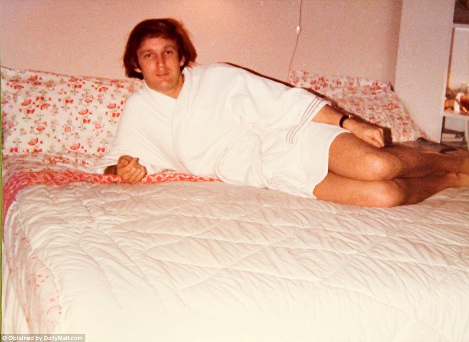 Images of Donald Trump in a bathrobe flood Twitter after ...
