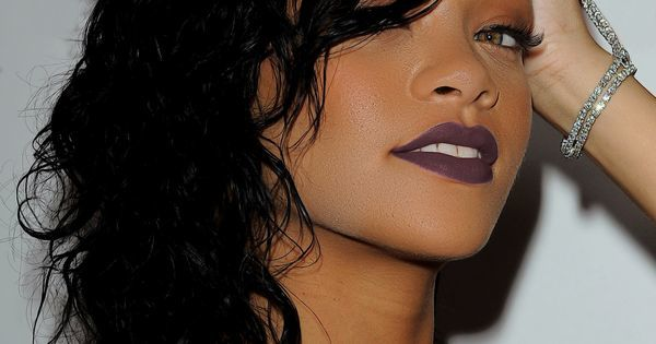 Happy 28th birthday to Rihanna! Febr 20