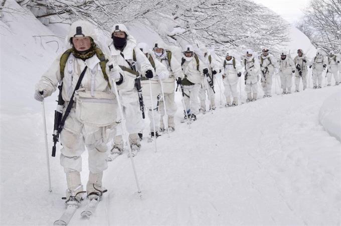 遭難した旧陸軍青森歩兵第5連隊の犠牲者慰霊も兼ね雪の八甲田でスキー演習 陸自、15キロ行進 sank…