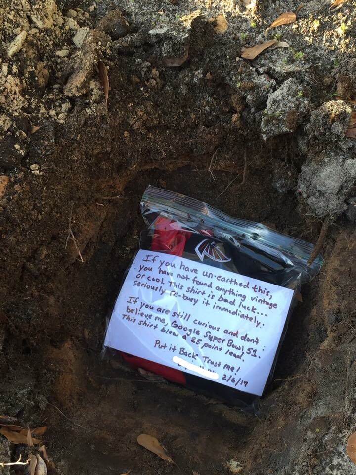 A friend of mine buried his Falcons jersey today... https://t.co/CK7ikOlGfV