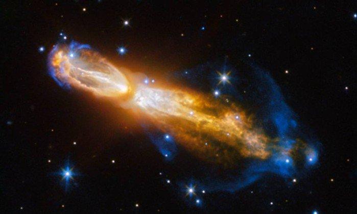 Telescópio Hubble captura imagem da morte de uma estrela. https://t.co/XDwEI4Oj0W