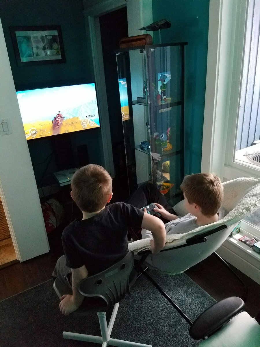 Older brothers: the original Twitch. https://t.co/IuvAgGDtbA