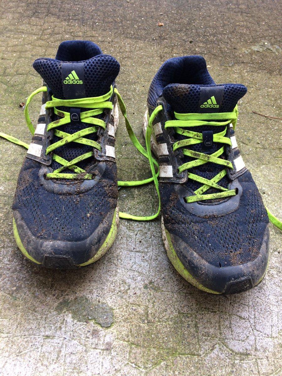 Une bonne séance remplie de boue  #8km #running #adidasrunning<br>http://pic.twitter.com/w2P4ap15Ys