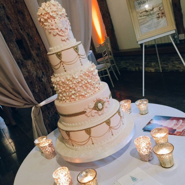GOSH! What a stunning #weddingcake supplied by @GCakesCouture who exhibited at our #showcase event on Sunday @LoseleyPark @Loseleyevents