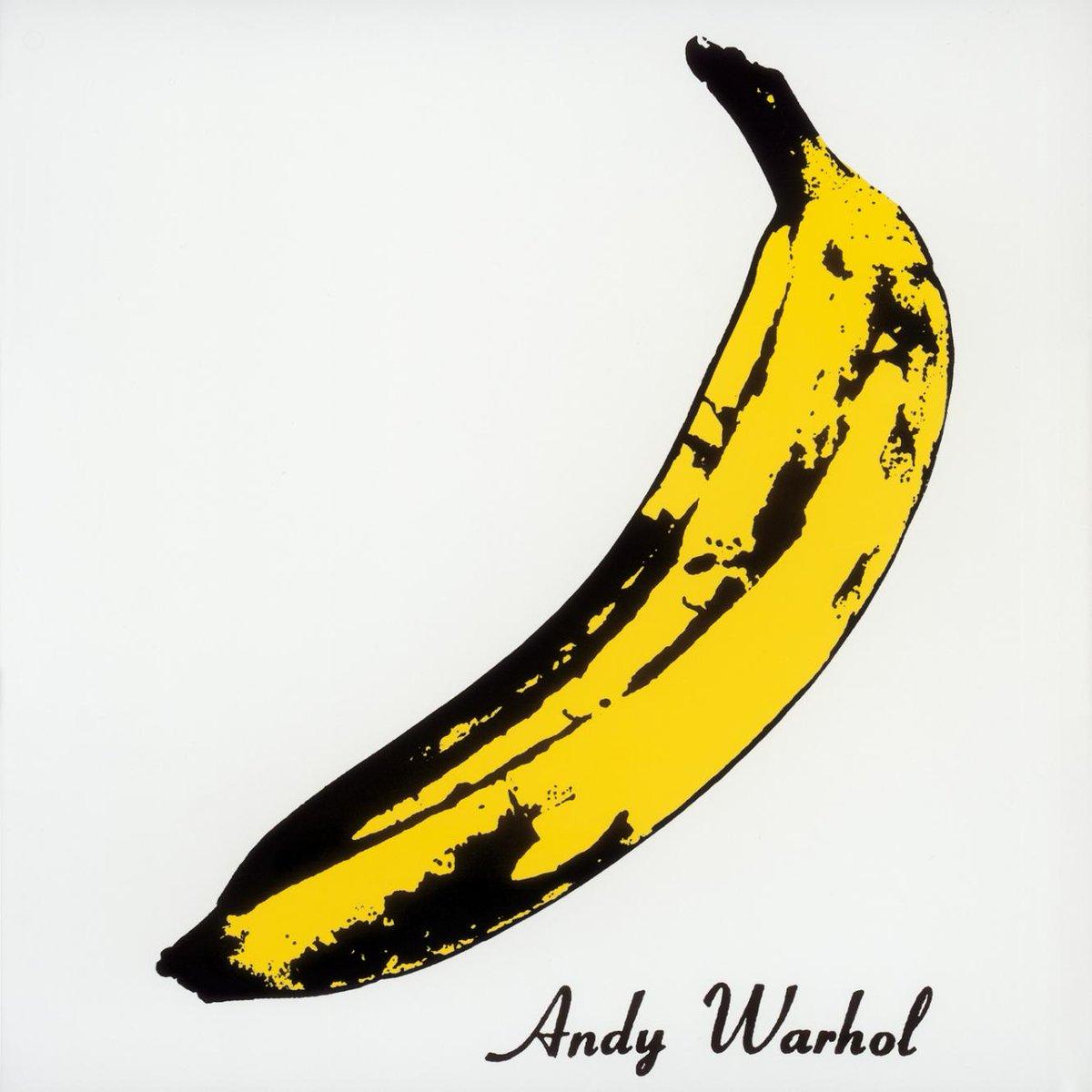 虫ピンで皮を刺してアンディ・ウォーホルのバナナを再現。 彫る前に、そもそも似てる形状のバナナ探しが大…