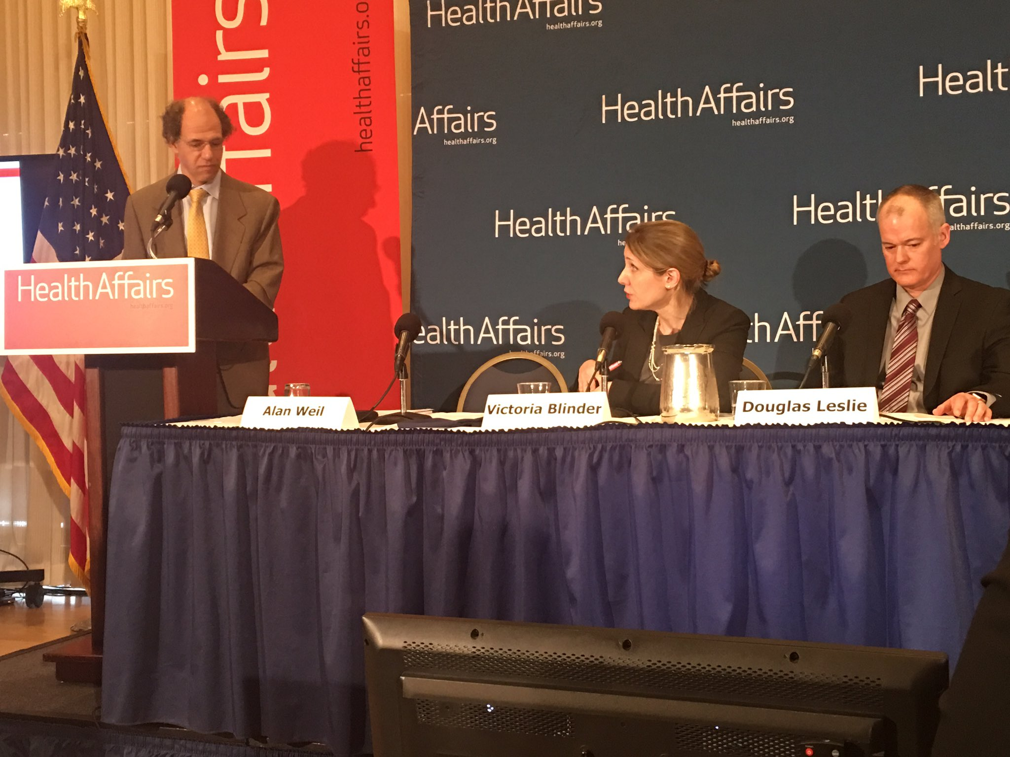 Good conversation on making the case for prioritizing worker health & safety in #SmallBiz not just large orgs #WorkandHealth @Health_Affairs https://t.co/TSlr9yHr6s