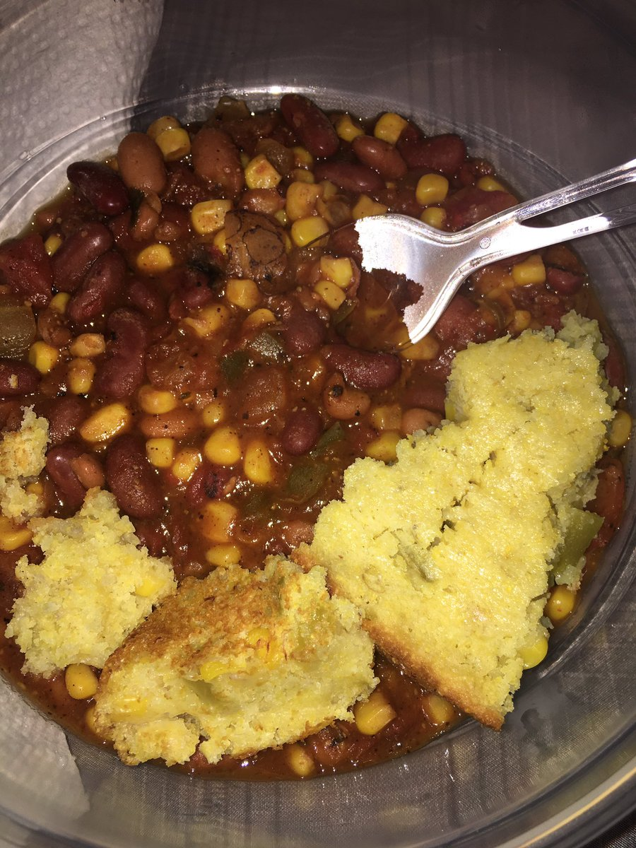 Vegan chili and cornbread! This was so good, I'm way to excited about...
