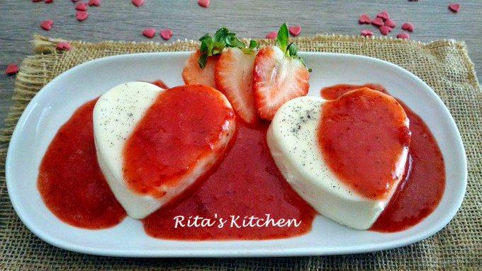Cuore di panna cotta con salsa alle fragole