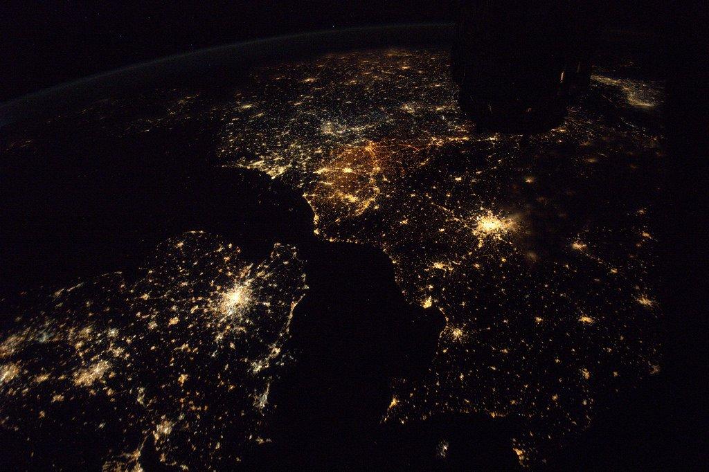 Royaume-Uni, France, Benelux, Allemagne, Pologne, Danemark, Italie… sur la même photo. Vive l'Europe! 🇪🇺 #MaastrichtTreaty