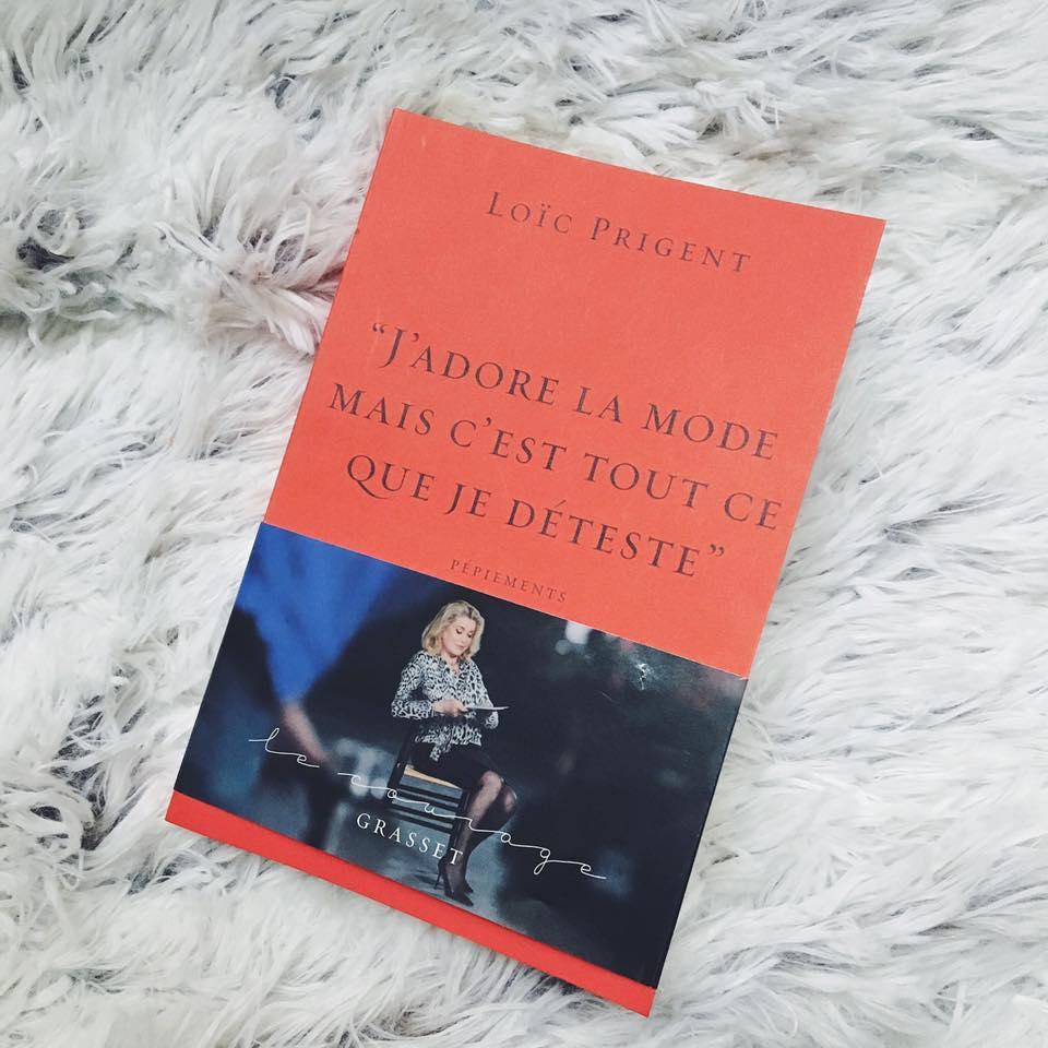 À quelques jours de la #FashionWeek je vous parle du livre hilarant de @LoicPrigent dédié aux pépiements de la mode  http:// bit.ly/SDLLP85  &nbsp;  <br>http://pic.twitter.com/4YHA6doerZ