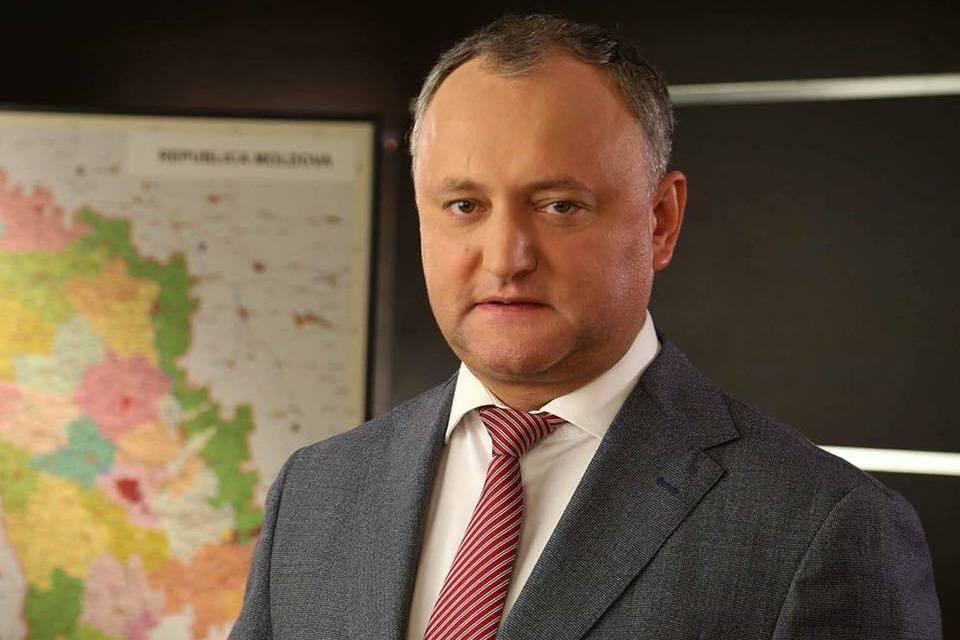 Около 300 человек блокируют сегодня оккупированные территории Донбасса. Некоторые имеют при себе оружие, - нардеп Костенко - Цензор.НЕТ 4327