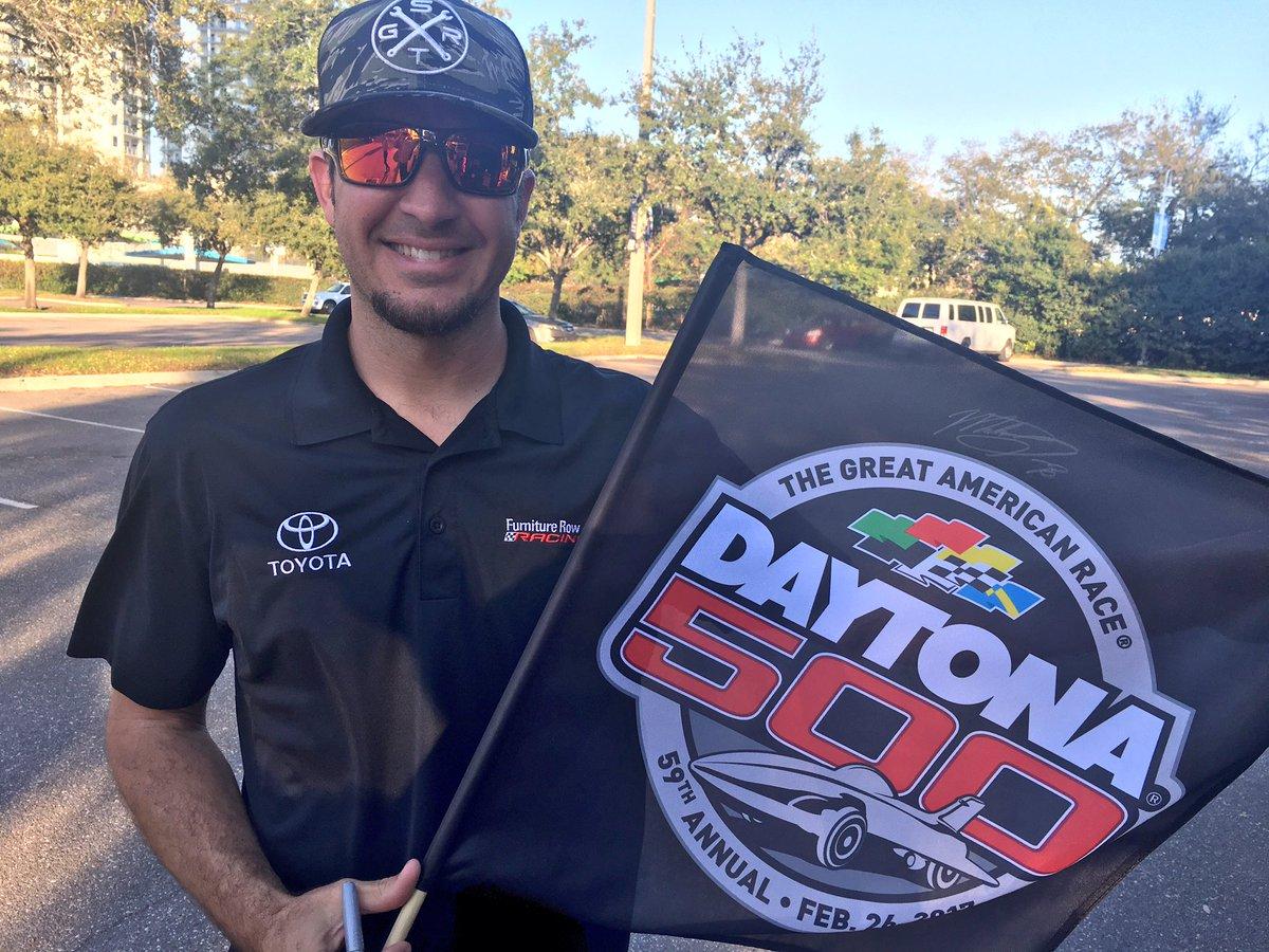 Want to win a #DAYTONA500 flag signed by @MartinTruex_Jr?! RETWEET and we'll pick a random winner tonight at 9pm ET! #ROADTODAYTONA500