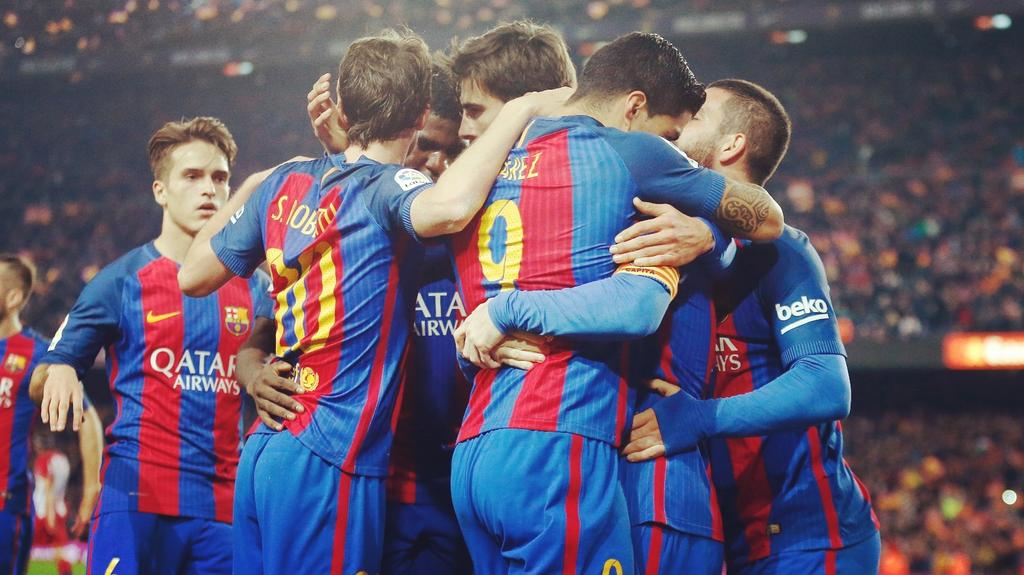 FC Barcelona Players celebrating Scoring against Atletico