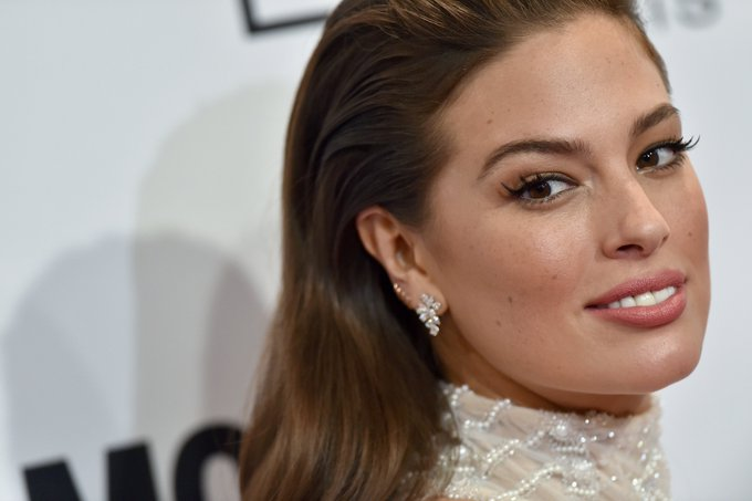 Ashley Graham Wearing No Makeup Is the Bright Spot You've Been Needing All Day