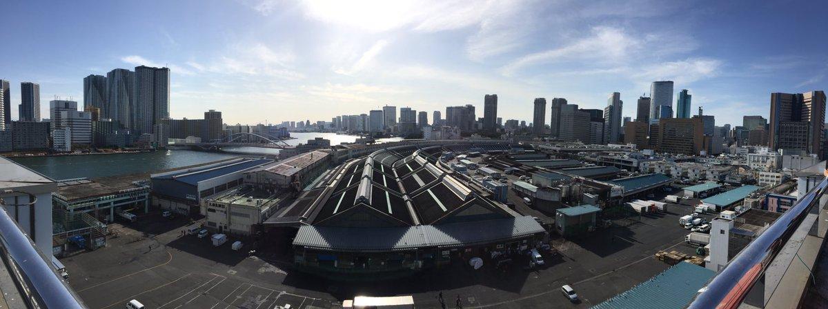 築地市場では、松田場長はじめ担当の皆様が懇切丁寧に案内下さり、大変勉強になりました。…建物は昭和10…