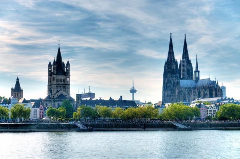 Ryanair: nuovi voli aerei da Bologna a Colonia con prezzi a tariffa sconto