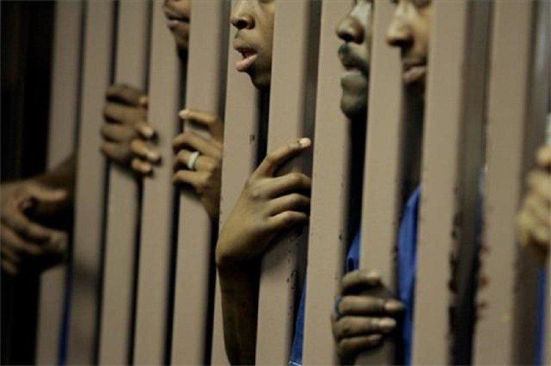 Chambre #Criminelle : un #Nigérian #Condamné à 15 ans de travaux forcés pour #Tr ... -  http:// actugm.com/?p=8288  &nbsp;   sur  #15Ans #Condamné <br>http://pic.twitter.com/n7jJMoFOAp
