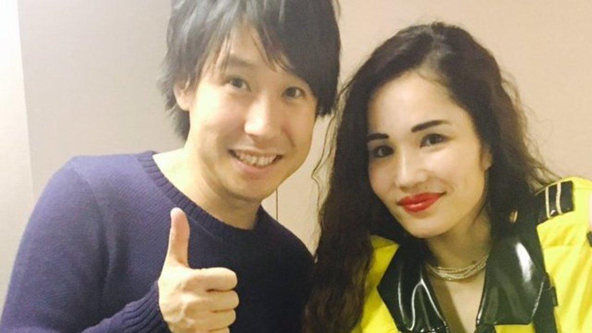 おったまげ〜!な2ショット!芸人・平野ノラさんのTwitterで声優の鈴村健一さんとの2ショットを披…