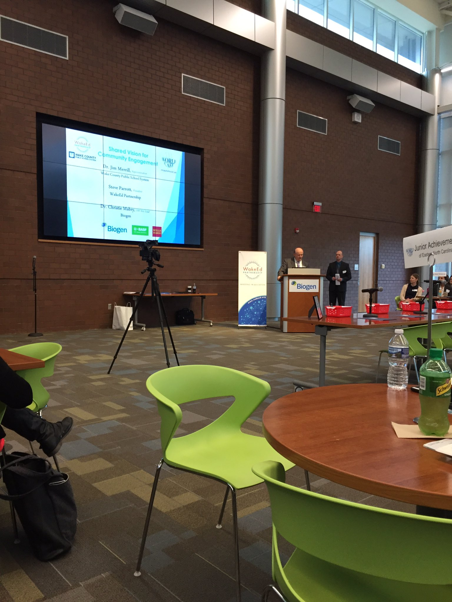 World Cafe 2017 in a wonderful collaborative space! #globalconnections @JeffreysGroveES @wcpssmagnets @biogenidec https://t.co/Gbsa9VE56k