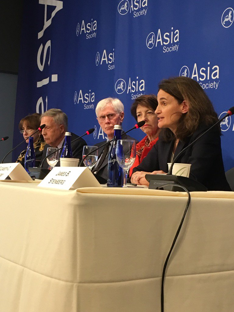 """@LizEconomy #climate issues one area """"where #XiJinping's assertiveness and ambition are helpful"""" #AsiaSocietyLive https://t.co/AWI0ej6kJf"""