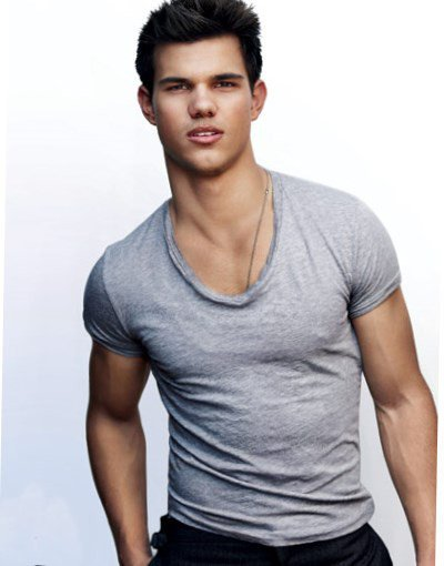 HAPPY 24TH BIRTHDAY  TAYLOR LAUTNER!