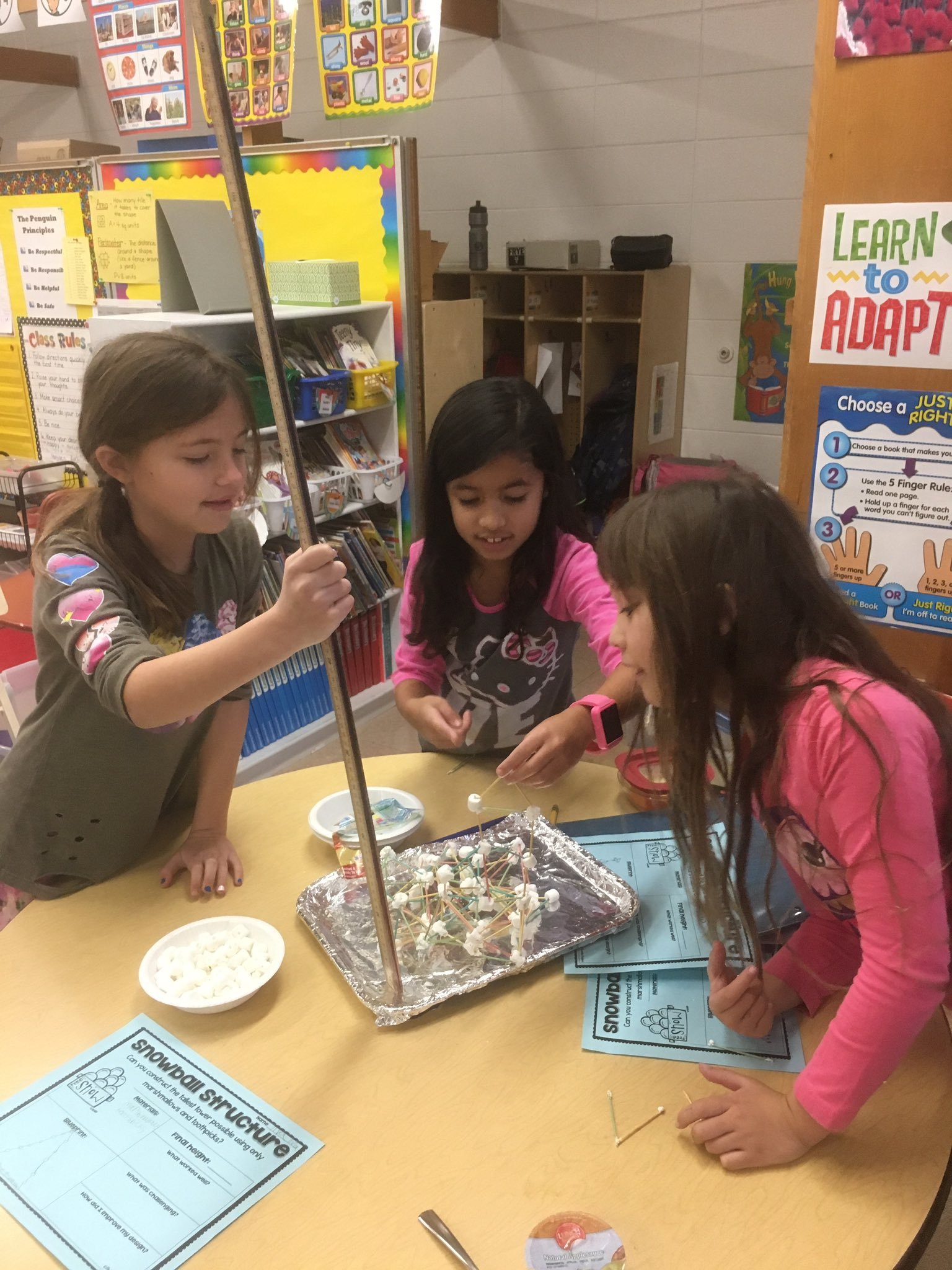 Hey 2nd graders!  How tall can you build your tower? #engage109 #sp109 https://t.co/6qbEKvDhgd