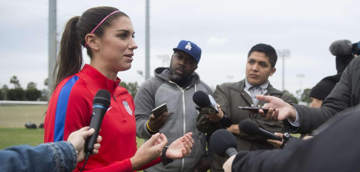 L&#39;#Olympiquelyonnais lance une #websérie sur #AlexMorgan, sa joueuse star @alexmorgan13 @OL #footféminin   http:// bit.ly/2k3RvBS  &nbsp;  <br>http://pic.twitter.com/dyrimvMf0N