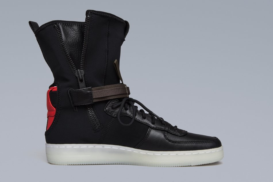 on sale 53545 f21c4 Official images of the BlackCrimson ACRONYM x Nike Air Force 1 Downtown  High, coming soon to NikeLab. — httpbit.ly1uWX82W  pic.twitter.com2ZMXoFoh1U