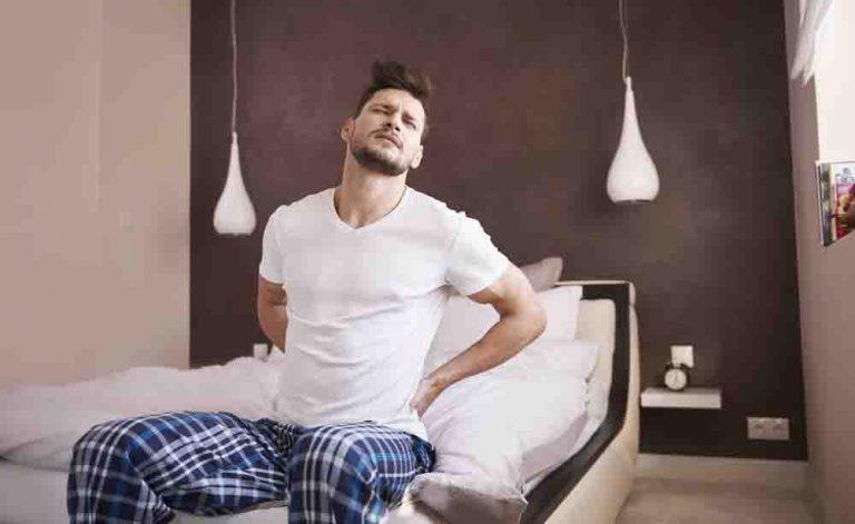 Mal di schiena: trovate il rimedio al dolore perchè accorcia la vita
