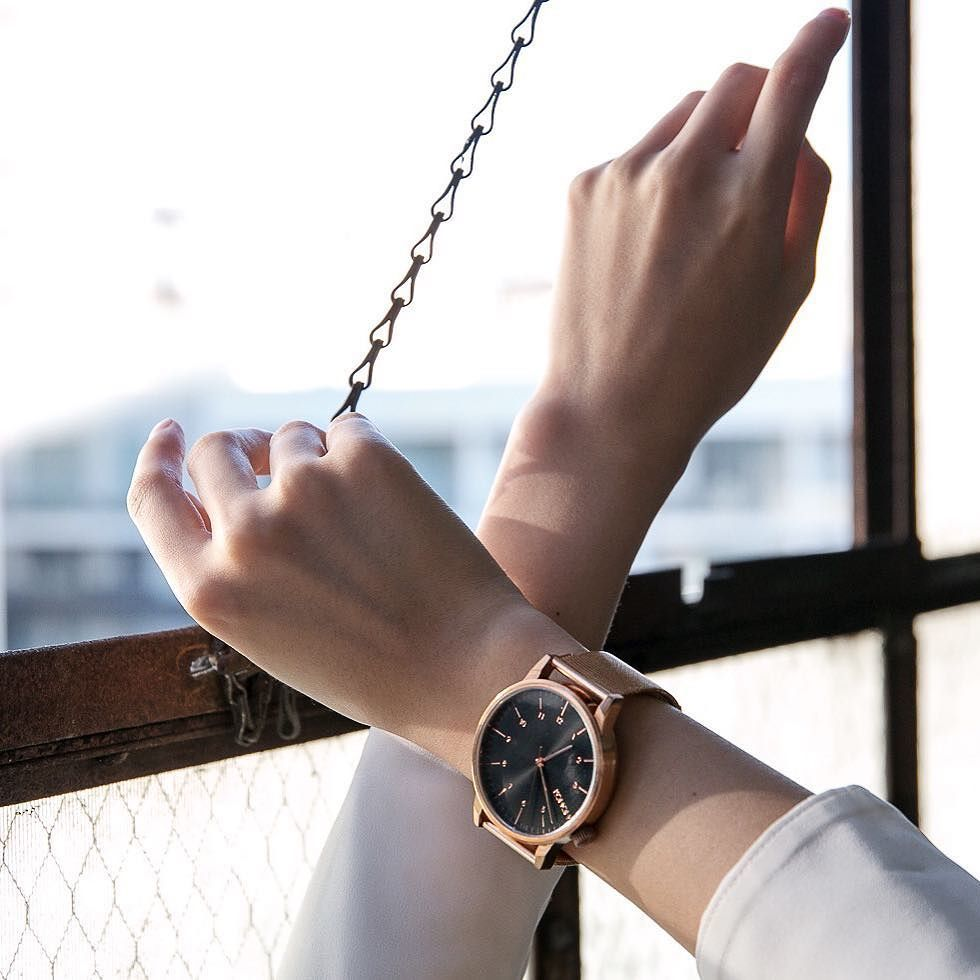 Loving my @KOMONO winston royale watch in rose gold black. #KOMONO currently has a Valenti… https://t.co/AqQcDaD7ZN https://t.co/whMWDWx3N1