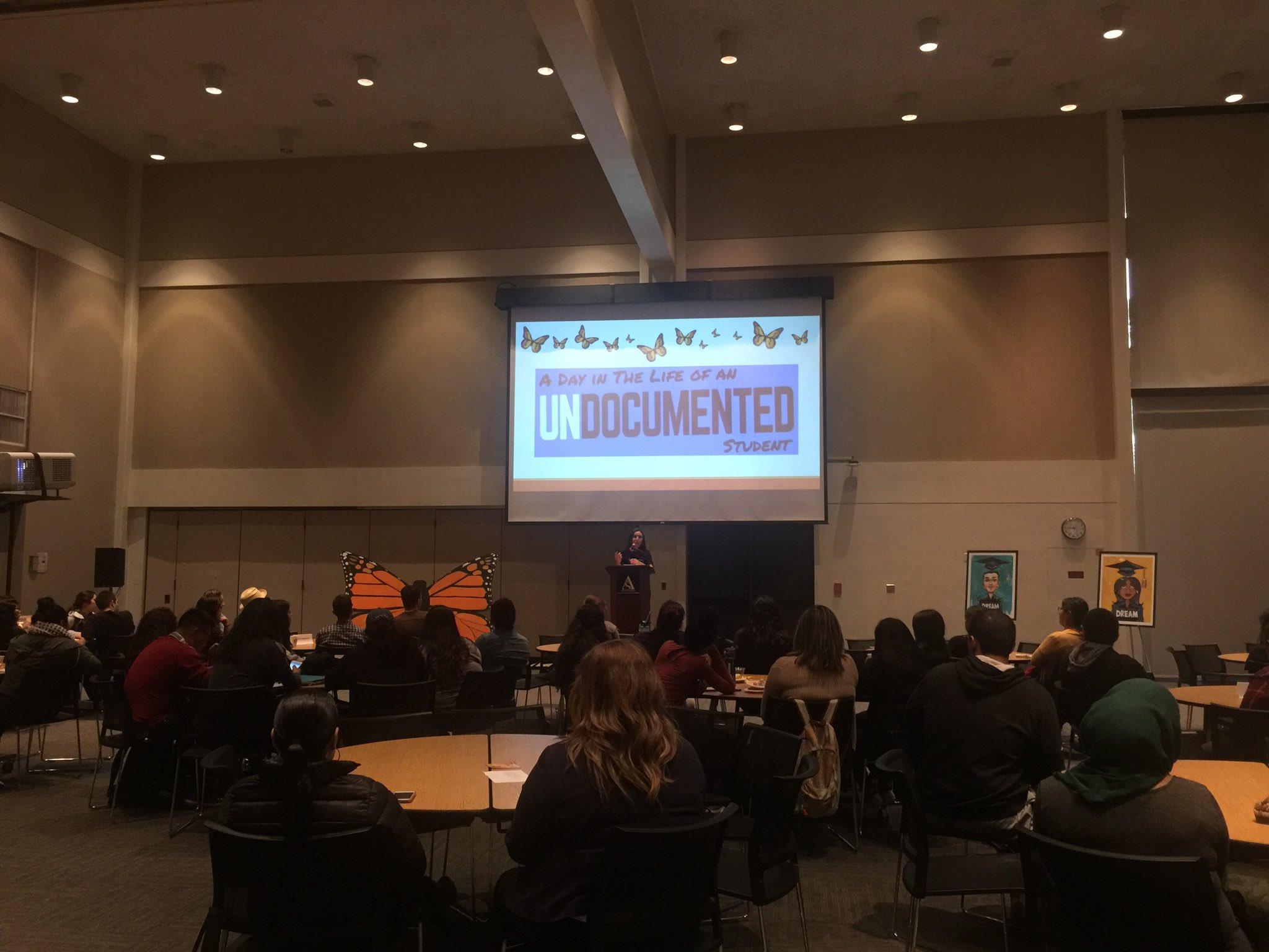 .@daily49er UCLA Alumni Blanca Villagomez shares her story as an undocumented student #49ernow #CSULB #undocumented https://t.co/C0Wg83047w