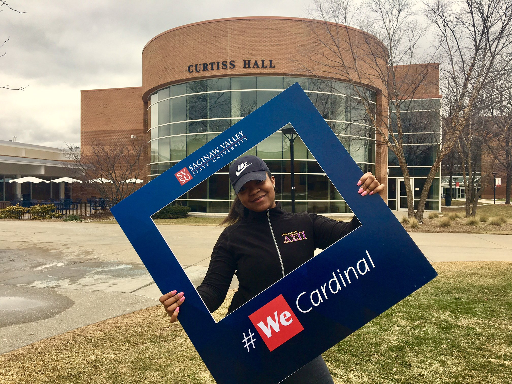 Meet Demetria, a Business Management major who is showing off her Red Pride today outside Curtiss Hall! Thanks for sharing! #WeCardinal https://t.co/ZPVW8xwSq3
