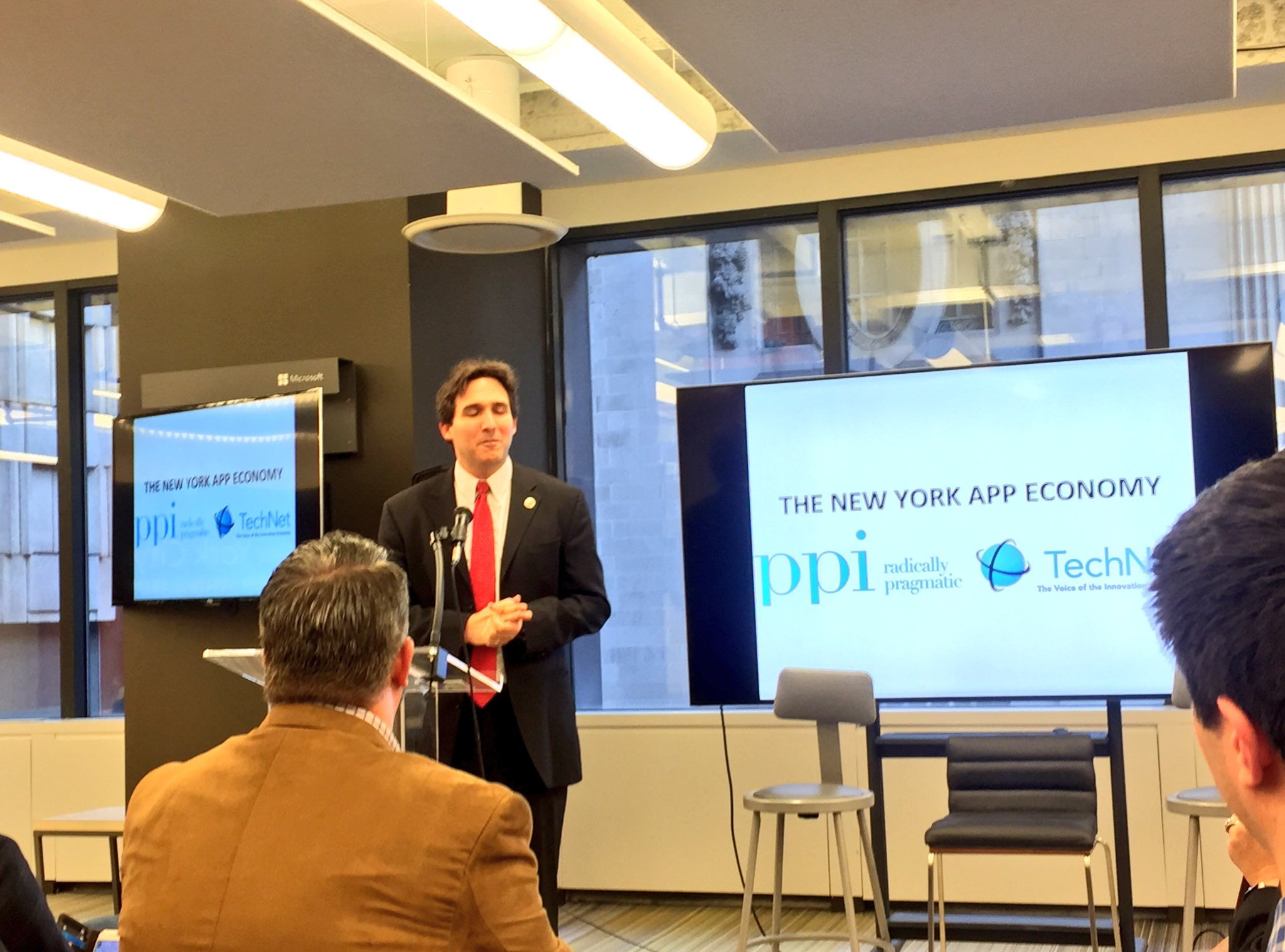 NYC Councilman @BenKallos highlights need for 21st century jobs & why tech skills programs (such as @MicrosoftNY's #TechJobsAcademy) matter. https://t.co/sM5fI0U2Q8