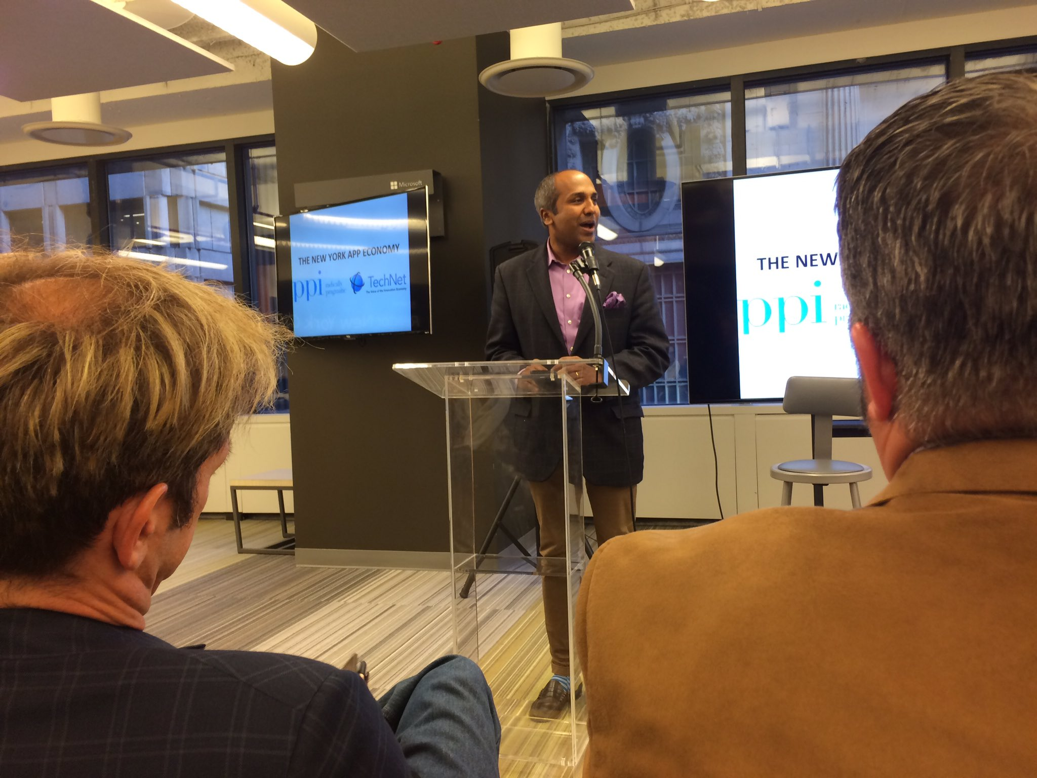 @sree Sreenivasan Chief Digital Officer, NYC: 1600 public data sets available for #appeconomy innovation #rewrite @CAinc https://t.co/W0U8pZMyyQ
