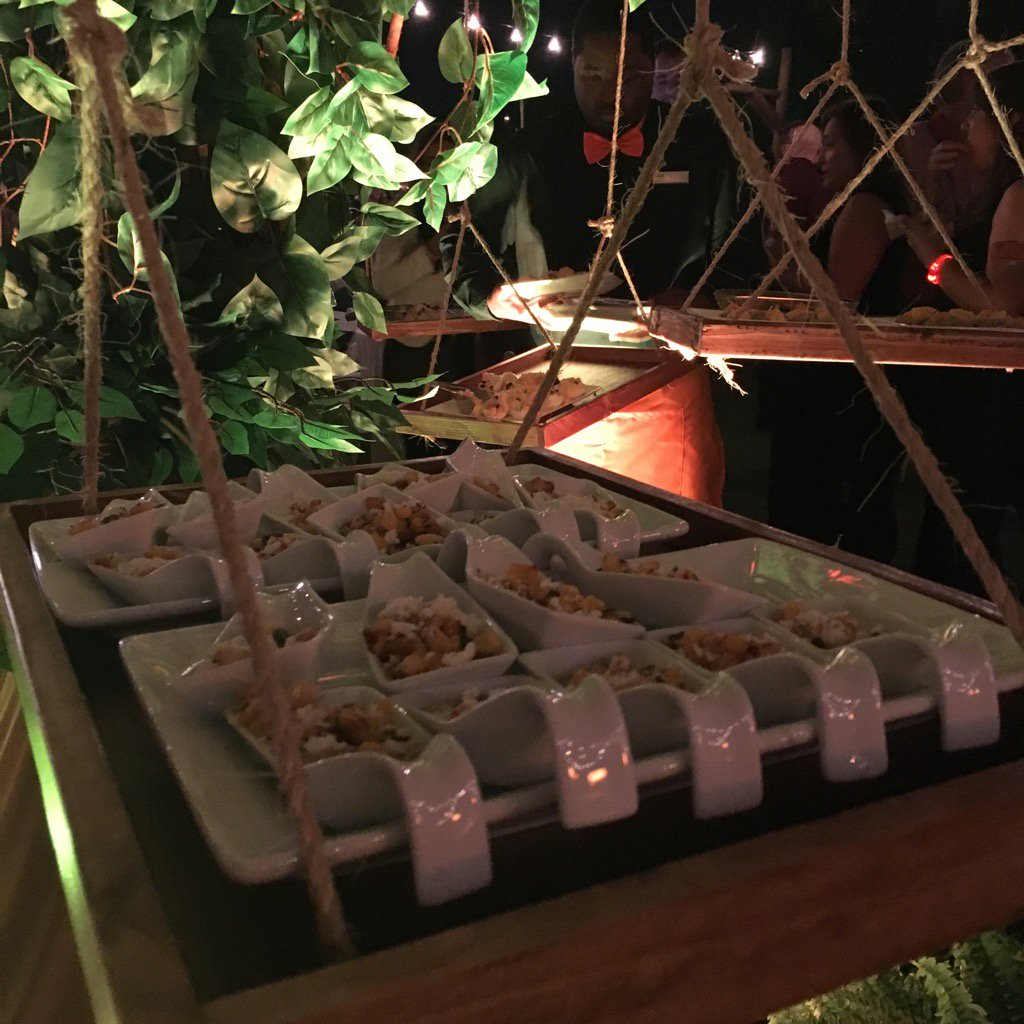 Foodie fun at #TheNAFEMshow. Swingin from the trees https://t.co/EdLfrBbsf2
