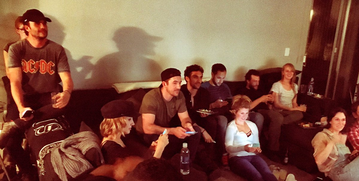 The cast tweeting  #SixOnHistory #six https://t.co/DxOPAEoYCm