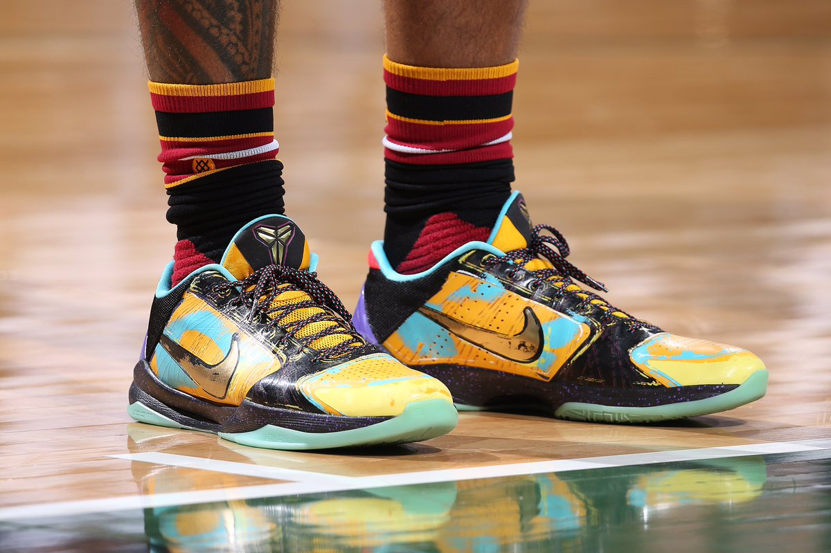 the latest 1c884 0146d a closer look at the nike kobe 5 prelude worn by james johnson vs milwaukee