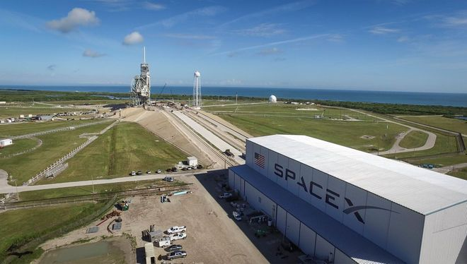 .@SpaceX 1st Launch from historic @NASA pad with #ISS resupply mission #CRS10, slips to February 18 https://t.co/BOk5ZnZksm https://t.co/QHDkb3j4A0