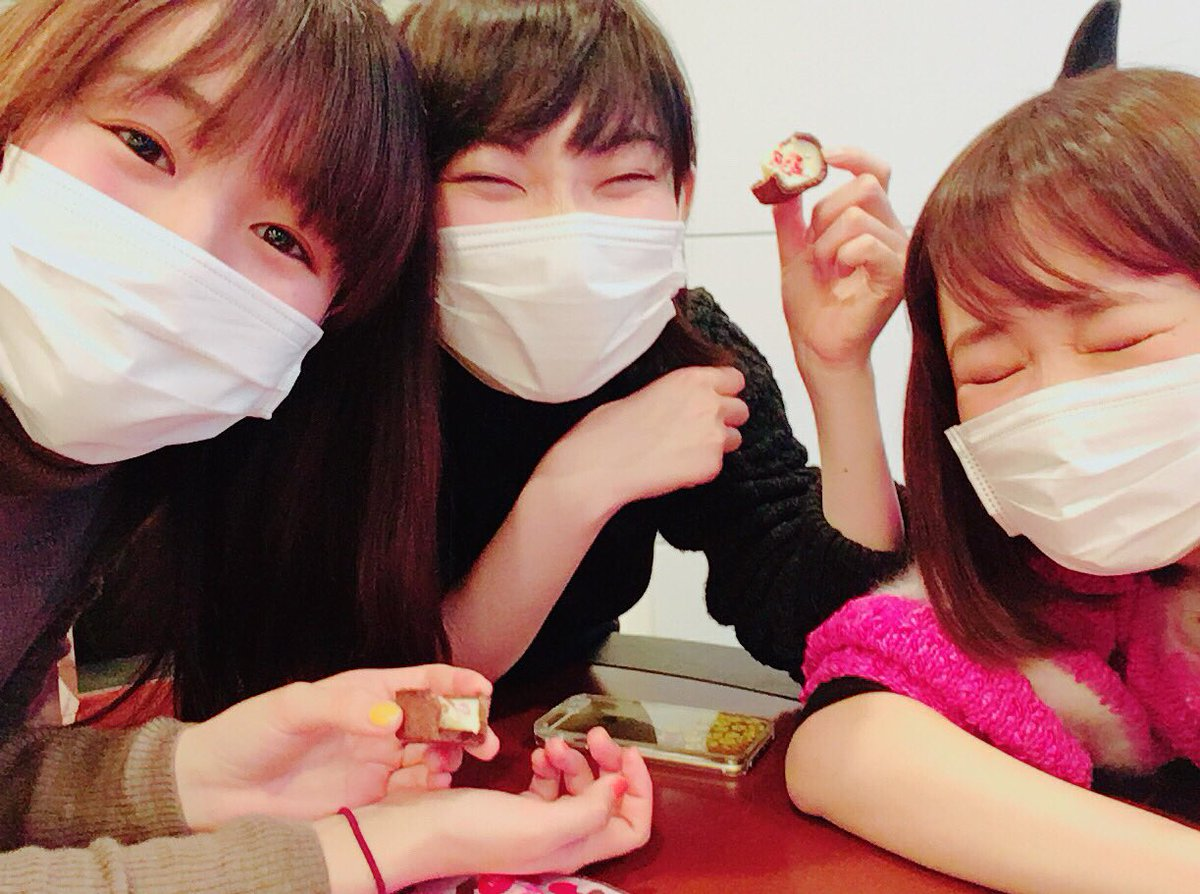 皆マスクしておる #ビクター3人で打ち合わせ〜 #らこちんチョコくれた✌️
