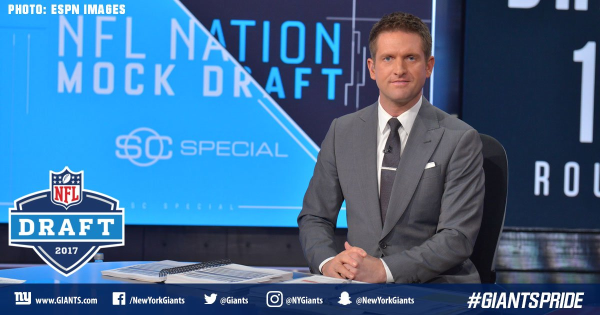 .@McShay13&#39;s latest NFL Mock Draft is out and he has the #Giants going defense with the 23rd pick.  PICK:  http:// bit.ly/2lnWOxd  &nbsp;  <br>http://pic.twitter.com/lS2MwtasU8