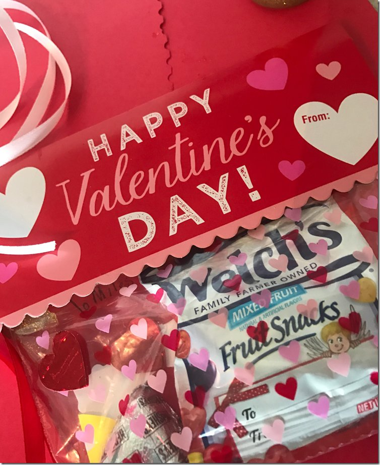 It's so easy to make Valentine Treats with @WelchsFruitSnck #AD https://t.co/Zz4WSc0yYM https://t.co/5a6mK9T30R