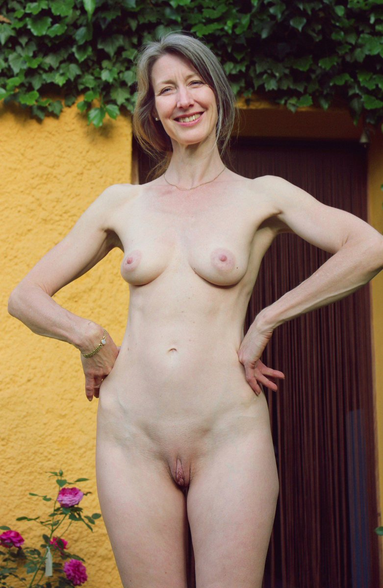 Eat lovely wife posing nude her today. She's