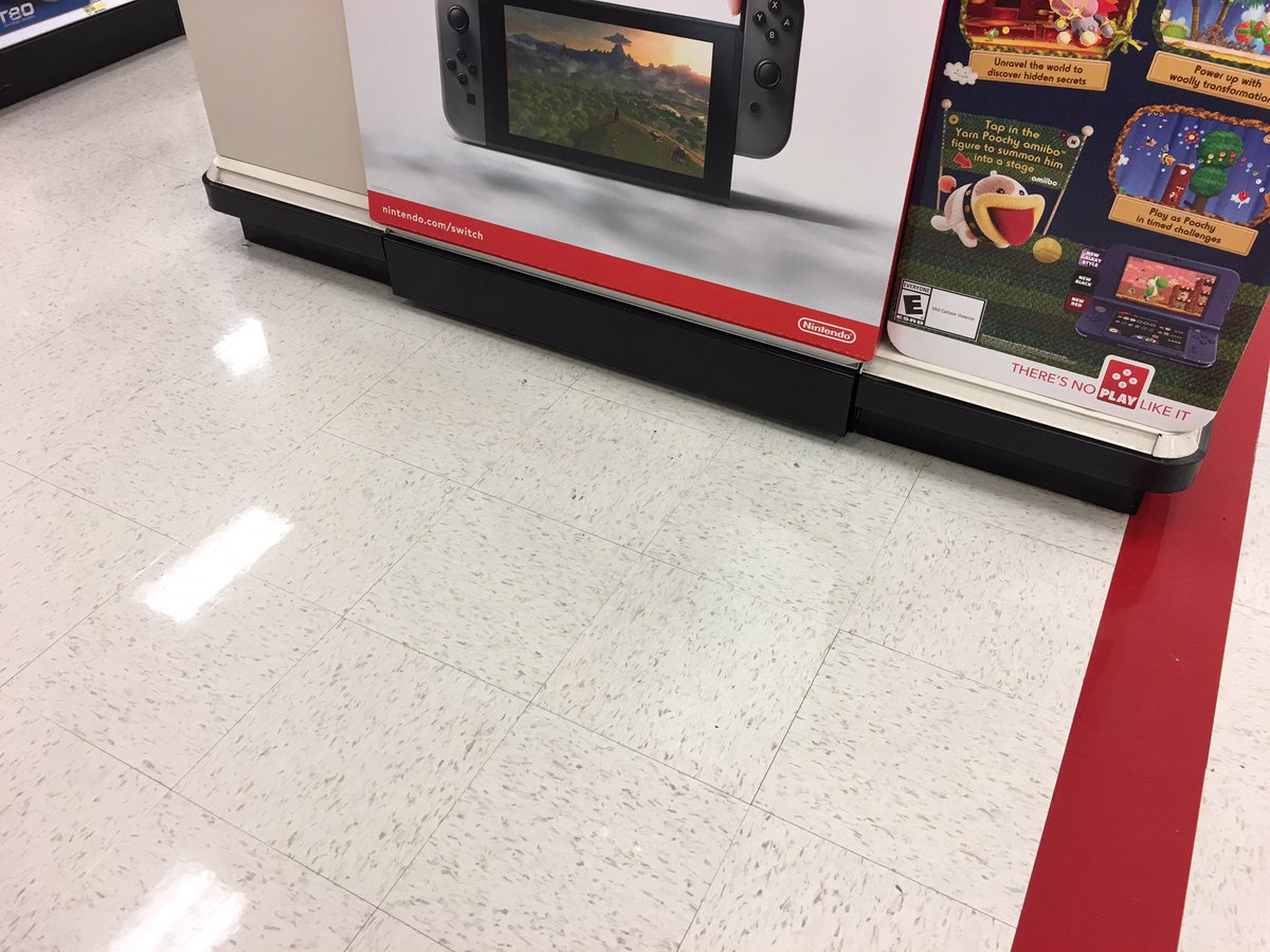 Both 4-ways have new heavy duty kick plates and are bolted to the floor. #NoMoreIssues #FixItRightTheFirstTime #T2320ModelStore <br>http://pic.twitter.com/FtaUdW9pQL