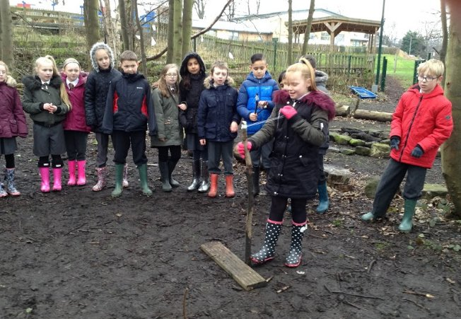 Year 5 Forest School session - making catapults using our knowledge of materials and their properties. #forestschools <br>http://pic.twitter.com/JhAG5QIVuc