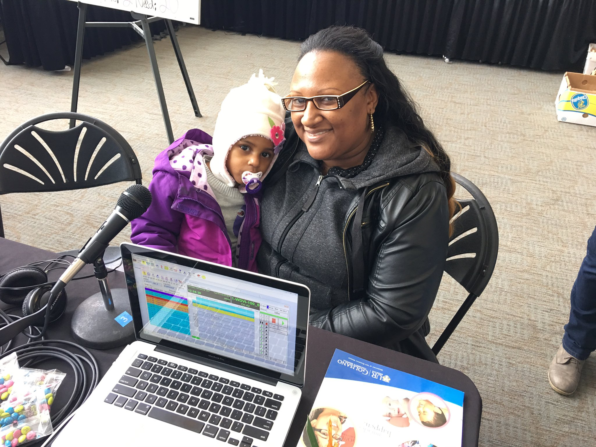 LIVE NOW: Desrene and her daughter, Dajah share their journey through cancer with @1005THEDRIVE.    ☎️ 585-241-5437 https://t.co/NM4W06k26m