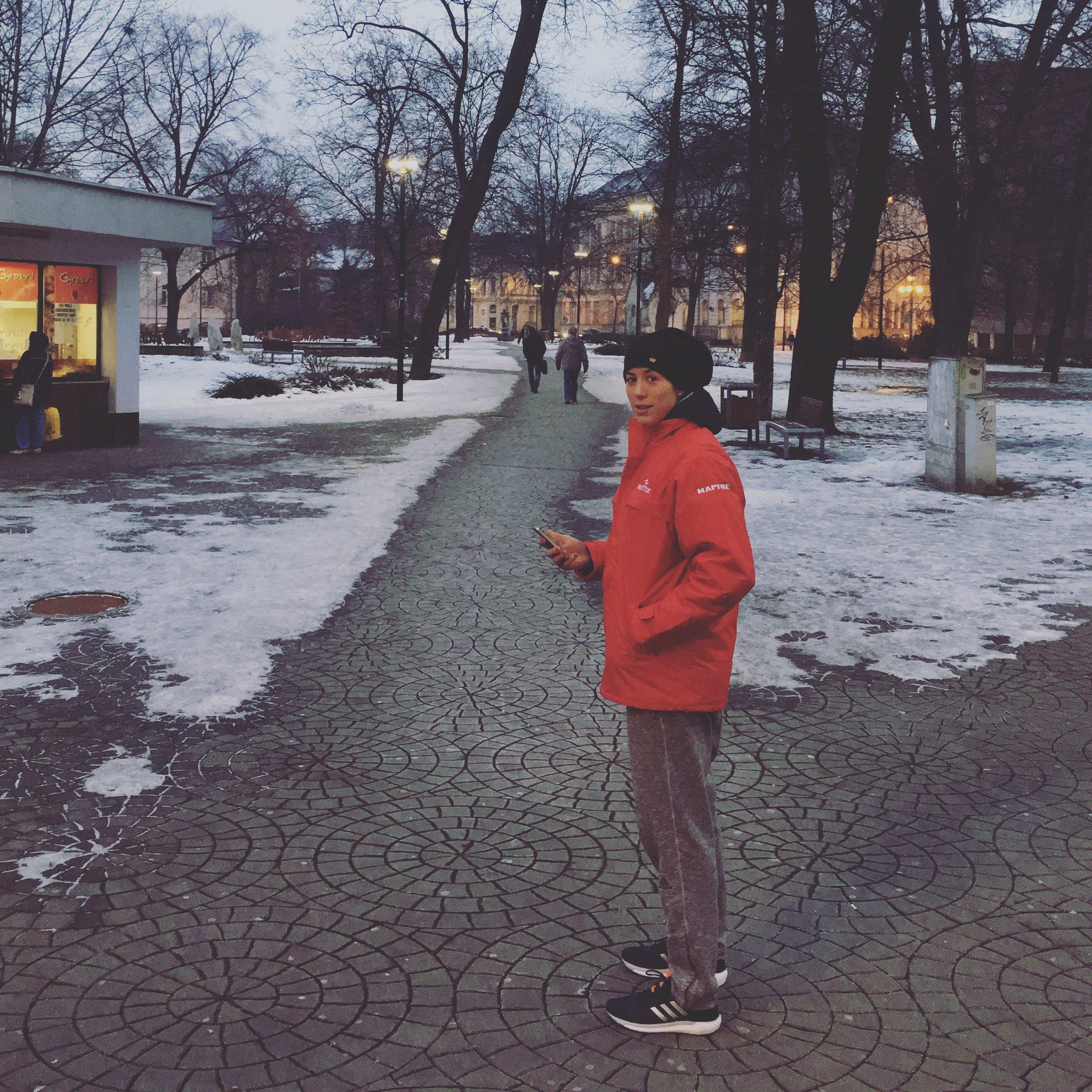 Through the streets of Ostrava at -5! Por la  calles de Ostrava a -5! ❄️❄️ https://t.co/cBEVgFM383